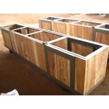caixa de madeira grande para transporte Votorantim