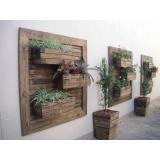 palete de madeira com flores