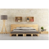paletes de madeira na parede cotar Porto Feliz